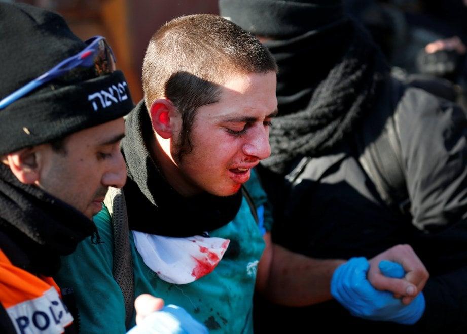 Medio Oriente, la polizia sgombera colonia israeliana nei Territori