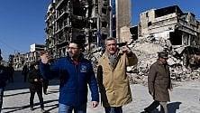 L'Alto Commissario Onu per i rifugiati  tra le macerie di Aleppo