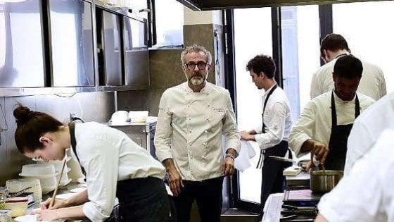 """Massimo Bottura: """"Un piatto a 50 centesimi, così con la cucina combatto la battaglia per la dignità"""""""