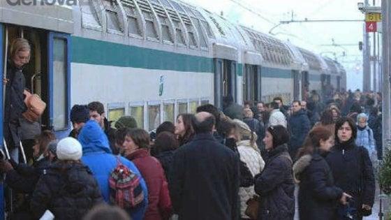 """Beffa abbonamenti per i pendolari: """"Colpa dell'algoritmo se il treno è più caro"""""""