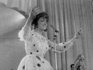 Mina torna a Sanremo, la sua voce sul palco dell'Ariston