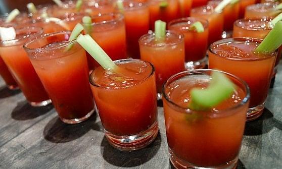 """Bloody Mary: il cocktail """"del giorno dopo"""" non finisce mai di stupire"""