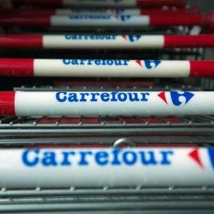 Carrefour tira dritto sui licenziamenti: oltre 600 lavoratori coinvolti