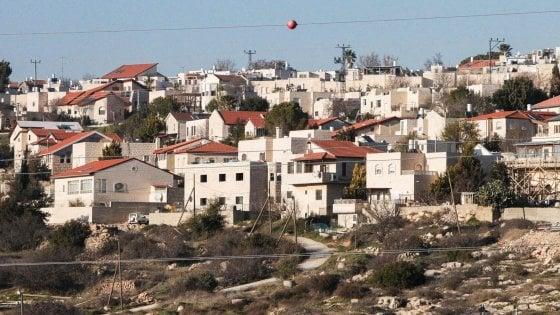 Israele, passa la legge che legalizza 4mila alloggi in Cisgiordania