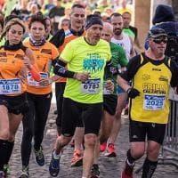 Contrordine podisti, correre (ma non troppo) fa bene alle ginocchia