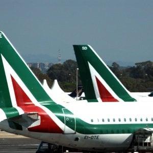 Alitalia, sindacati in trincea: stop a trattative sul contratto