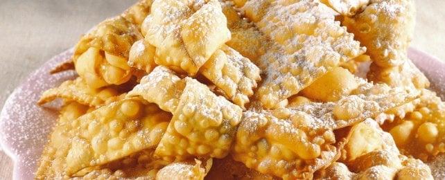 Frappe, castagnole & co: 16 ricette per un dolcissimo Carnevale