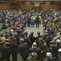 La Brexit avanza e spacca il labour: rivolta contro Corbyn. E Sturgeon: