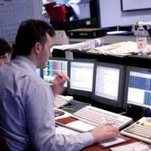 Intelligenza artificiale in ufficio, lavoratori intellettuali a rischio