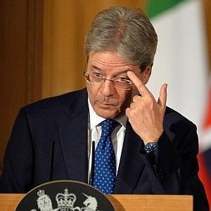 Governo, l'irritazione di Palazzo Chigi per la mozione anti tasse. Renzi a Padoan: non serve manovra