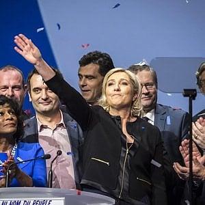 """Le Pen: no a ebrei francesi con doppia cittadinanza. """"Gli extra-europei dovranno scegliere"""""""