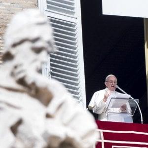 """Pedofilia, il dolore del Papa: """"Come può un prete causare tanto male?"""""""