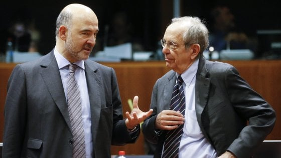 """La Ue all'Italia: """"Bene impegni sui conti pubblici"""". Rivista al rialzo la crescita 2018"""