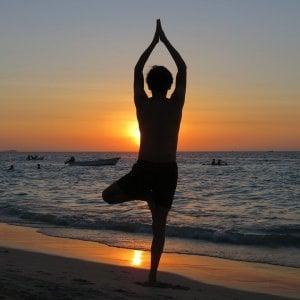 Mal di schiena: yoga e tai chi sono meglio dei farmaci