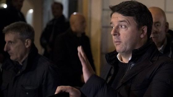 """Pd, Renzi tira dritto sul congresso: """"Mi dimetto e resto reggente"""". E chiede la revoca dei vitalizi"""