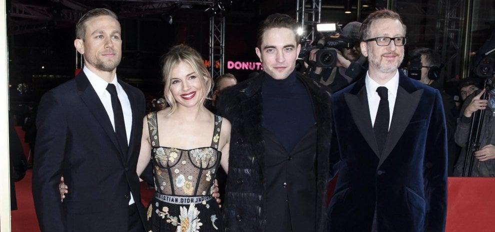 Hunnam accanto a Robert Pattison e Sienna Miller, alla Berlinale è nato nuovo divo