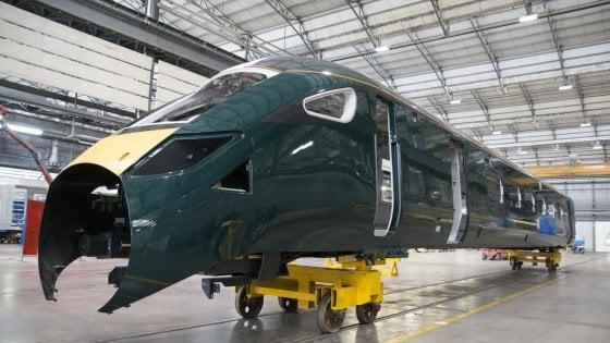 """Hitachi, il """"treno proiettile"""" giapponese sarà prodotto a Pistoia: viaggerà in Uk"""