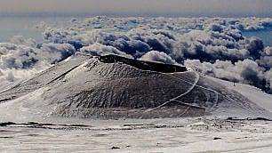 Etna show. In bianco -   foto