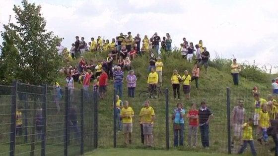Calcio, basta spie durante gli allenamenti: il Dortmund si compra una collina