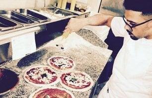 Napoli, la pizza moderna  e versatile di Enzo Bastelli