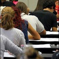 Università: calano idonei per le borse studio, ma diminuisce anche numero