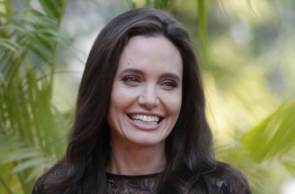 Cambogia, la prima apparizione pubblica di Angelina Jolie dopo il divorzio