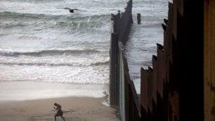 Usa-Messico: due fotografi per le due facce del 'muro'