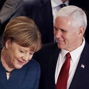 Usa, la missione di Pence: rassicurare l'Europa. Ma i dubbi restano