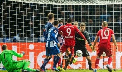 Pari a Berlino, Bayern salvo al 96'   Balotelli espulso , ma il Nizza vince