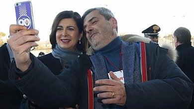 """Congresso SI, Boldrini tra applausi e selfie.  """"Pd, temo più scissione tra gente e politica"""""""