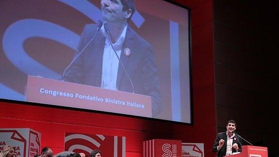 """Congresso SI, eletto Fratoianni segretario: """"Dialogo con gli scissionisti Pd se non votano fiducia a governo"""""""