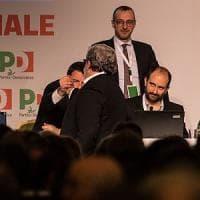 """Pd, la minoranza: """"Renzi ha scelto la scissione"""". Indetto il Congresso, il segretario tira..."""