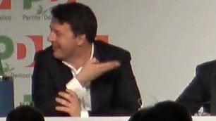 """Emiliano parla, Renzi sorride """"Non ricandidarmi? L'ha detto lui"""""""