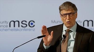 "Bill Gates: ""Robot che rubano  posti lavoro paghino tasse"""