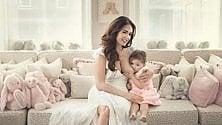 Tamara Ecclestone allatta la figlia di 3 anni sui social. Fino a quando dare il seno ai figli?    Foto     di DEBORAH AMERI