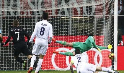 Milan agganciato all'Europa Battuta la Fiorentina   foto