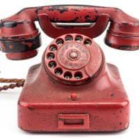 """Usa, venduto all'asta il telefono di Hitler: 243mila dollari per """"l'arma più distruttiva di tutti i tempi"""""""