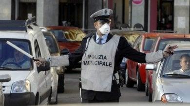 Smog, Torino ferma centomila auto oggi stop anche ai veicoli euro 4