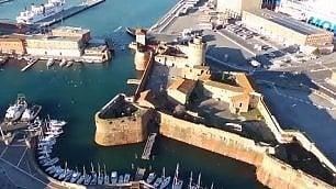 Dalla Fortezza a Castel Sonnino Livorno dall'alto vista dal drone