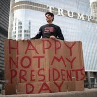 """""""Non è il mio presidente"""", da Los Angeles a New York: in migliaia in piazza contro Trump"""