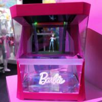 """""""Hello Barbie"""", la bambola più famosa del mondo diventa un ologramma"""