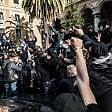 Tassisti, ambulanti, tifosi: Beppe Grillo cavalca la tigre populista