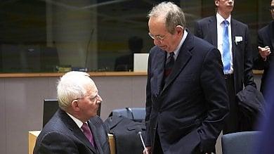 Bruxelles boccia il debito italiano, ma la procedura d'infrazione è rinviata