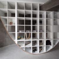 Giappone, la libreria-parabola del designer è fatta con gli scaffali Ikea