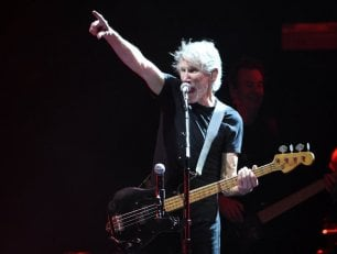 Roger Waters,'The Wall' davanti al muro di Trump