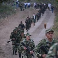Colombia, l'ultima marcia delle Farc: settemila ex guerriglieri smobilitano