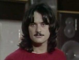 Addio a Enzo Carella, cantautore fuori schema