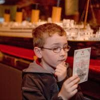 Robinson, dagli abiti dei passeggeri agli arredi delle cabine: a Torino una mostra fa rivivere il Titanic