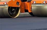 Nessuno ripara le strade, consumi di asfalto a picco