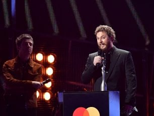 Brit Awards, due premi  a David Bowie